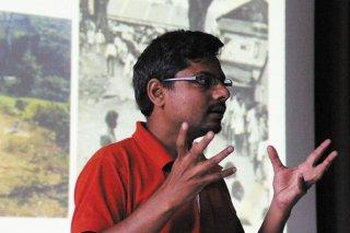 1_Praesentation_Mahantu-im-Vortrag.jpg